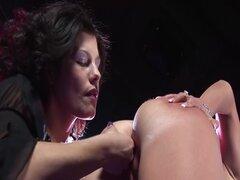 porno de lesbianas consolador en escenario