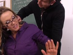 Nikki Sexx Danny Wylde en mi primera profesora de sexo, Danny se da cuenta que su maestro, el profesor Nikki Sexx, ha tenido poca energía toda la semana, por lo que se le enfrenta sobre él. ¿Avergonzada, ella finalmente le dice que es un problema personal