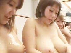 Lubricadas con base hasta asfixiar estrellas porno japonesa desnuda