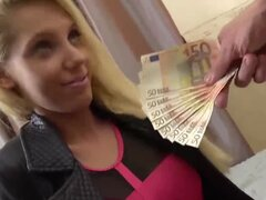 Tetona Euro cogió y golpeó en POV