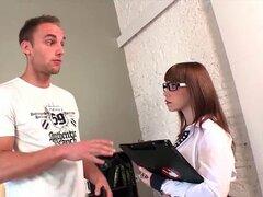 Turista alemán folla Director del hotel español en Barcelona