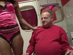 Grasa vieja libras hombre su pene a una prostituta por detrás - Jozef, Isabella