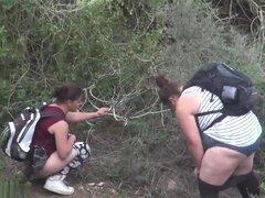 Chicas meando a voyeur video 354,
