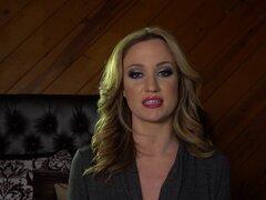 Entrevistas con un par de polluelos que película una escena lésbica - Kenna James, Angela Sommers