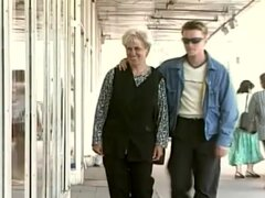 Susan en Grannys grandes aventuras escena 2, abuela Susan es justo el tipo de huésped Bienvenido dejándolos mamar tetas de abuela. Este gilf Rubio toma el tiempo a placer este hunk caliente rebotando arriba y abajo de su varilla rígida y agacharse así que