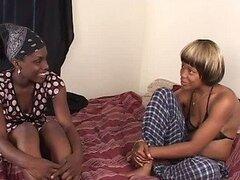 Peludas negras lesbianas Lamiendo coño