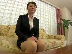 Ella continuará caída entrevistar también a 32 empresas de los estudiantes universitarios de la mujer - trabajo caza Kagawa, a aceptar las palabras del entrevistador en silencio,