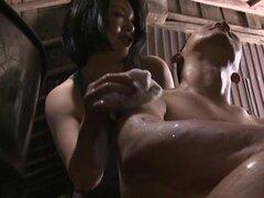 Mamá tetona Honami Uehara obtiene golpeó en la posición del misionario