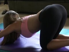 Chick Fit yoga follada