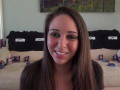 Morena masturbandose en webcam 01..., ver a esta morena muy linda masturbarse por webcam para ver...