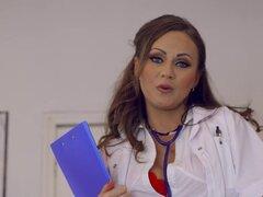 Brazzers - Doctor Adventures - médicos High School Crush escena protagonizada por Tina Kay. Brazzers - Doctor Adventures - médicos High School Crush escena protagonizada por Tina Kay