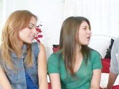 Naughty chicas trío