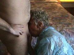 La abuela tiene 2 GB. Abuela con chicos de 12 GB