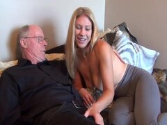 Viejo hombre follar a su joven esposa