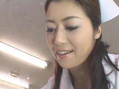 Enfermera madura hermosa, una de la más sexy actriz madura que encontrará! Maki Hojo (Sayuri Shiraish) debutó en adultos en la edad madura de 28 en el año 2006 y realmente golpear grandes cuando el género MILF aumentó en popularidad notablemente en los úl