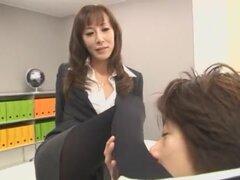 Las chick japonesa Honami Takasaka en fabuloso fetiche, película Secretario JAV