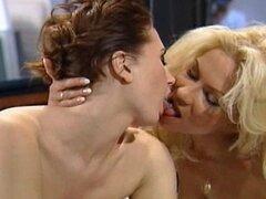 lesbianas maduras y jóvenes
