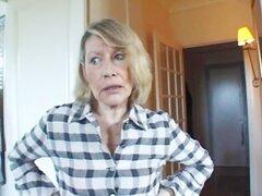 Sandra una mujer de un doctor follada por 2 negros pollas