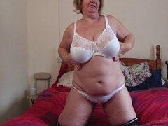 Madre amateur con grandes tetas