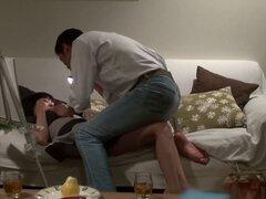 Primera vez chica porno japonesa acepta desnudarse y follar