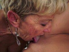Anciana tiene hambre de coño joven