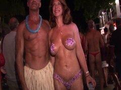 Cayo festival llamado fantasía swingers fiesta desnuda fiesta en las calles