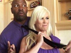 Mofos - Milfs como lo negro - Campaignin para martillo protagonizada por Kaylee Brookshire. Mofos - Milfs como lo negro - Campaignin para martillo protagonizada por Kaylee Brookshire