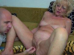 OldNanny vieja abuelita es muy muy caliente y mojada