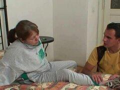 Abuela herida es sanada por tio joven