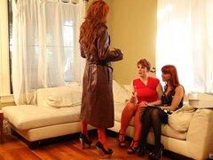 Elle Alexandra y dos otros azadones guapos tener un trío - Marie McCray, Lily Cade, Elle Alexandra