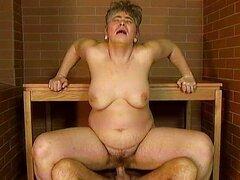 Esposa madura vieja gorda sin dientes obtiene