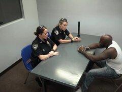 Negro chica jamaicana suck dick y policías de Milf lesbiana chica mexicano y blanco