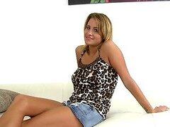 Sexo con Latina caliente fumar Jessica Nyx
