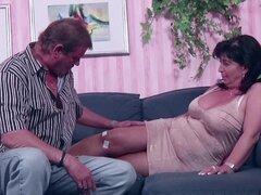 Alemán mamá y papá en el porno Casting por menos dinero