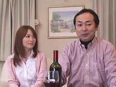 Golpeado en frente de marido, felizmente casada con un señor mayor, esposo de Miku Ohashi es un día diagnosticado con una enfermedad en la que tiene menos de 6 meses de vida. En una parcela de la avaricia y el mal, la gente que rodea a marido de Miku parc