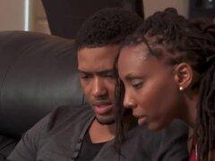 Negro pareja encuentra un pollo libre de drama para tener un trío tórrido