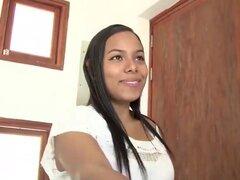 Chica española gruesa recogida para follar