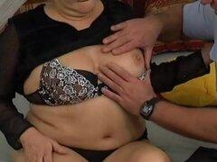 primer sexo anal madres gorditas