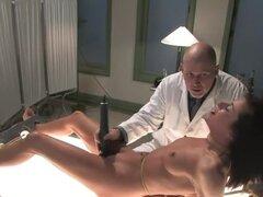 Experimentos sexuales, Cecilia Vega es elegido desde su celda de la prisión para ser experimentado en por el Dr. Davis. En el laboratorio se prueba resistencia de Cecilia para el dolor y el malestar contra su apetito para obtener gratificación sexual. Se