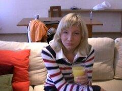 Coge una chica adolescente rusa y follarla por el culo