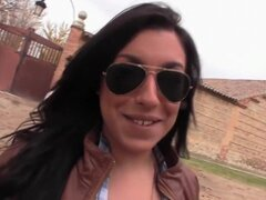 Día divertido follando con gordita española Mara López,