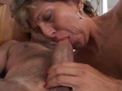 s maduro viejo tímido haciendo su primer porno con grandes anal. s maduro viejo tímido haciendo su primer porno con grandes anal