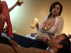 Alexis Silver y su caliente amiga pasar un buen rato con un pinchazo duro - Alexis Silver
