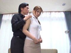 Ren Mukai sexual asiática ama de casa no puede ver para la estimulación del coño, Ren Mukai tiene sus ojos en un juego con su chico. Ella es una cachonda ama de casa y que disfruta de su coño con juguetes sexuales que se trajo con él las burlas. Lame su r