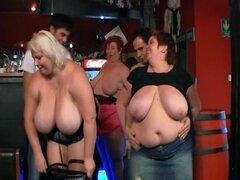 Divertirse en la fiesta las señoras gordas