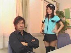 Cosplay porno: Parte de Bienvenido a Max Cafe-Tina Yuzuki 3. Tina es una colegiala inocente. Un extraño moseys hasta ella en el metro y empieza a frotar y a tientas le. Tina llega a la escuela y su maestra se convierte en... ¡el hombre del metro!
