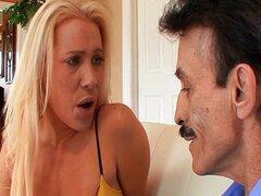 Cornudo a pesar de su esposo caliente