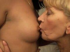 Santas poco coños lesbianas ayudante
