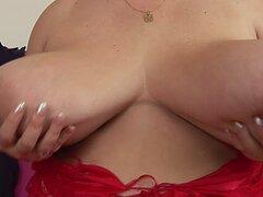 Juliana de BBW con tetas enormes