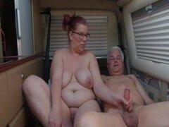 Abuelita y su hombre se la folla, madre madura que follan con su viejo en la cama